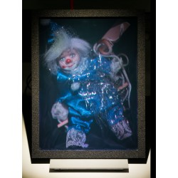 Clown sur une balançoire (par Vladimir) 15x20cm